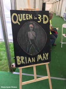 Queen In 3-D chalkboard sign