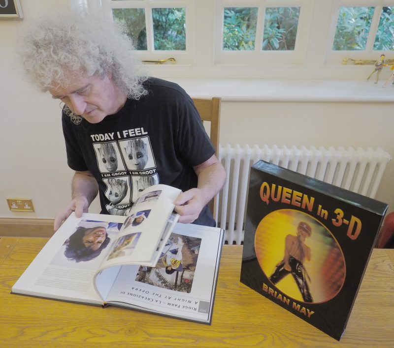 "Brian May with Italian edition ""Queen in 3-D"""