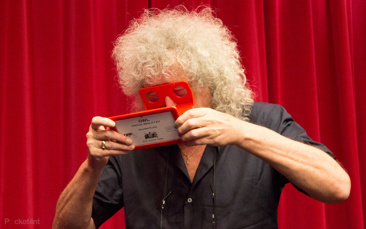 Brian May using VR kit