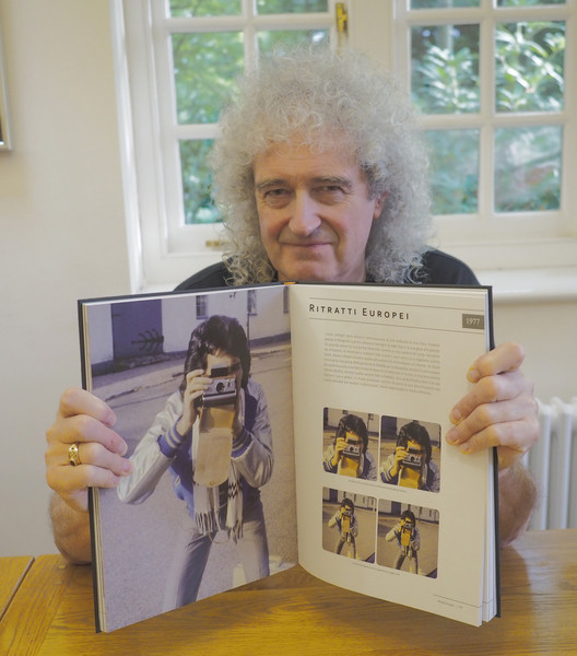 Brian shows open page of Italian Queen in 3-D