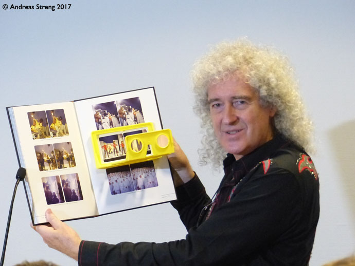 Bri shows book