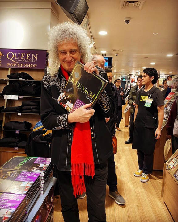 Brian May at Tower Records, Tokyo
